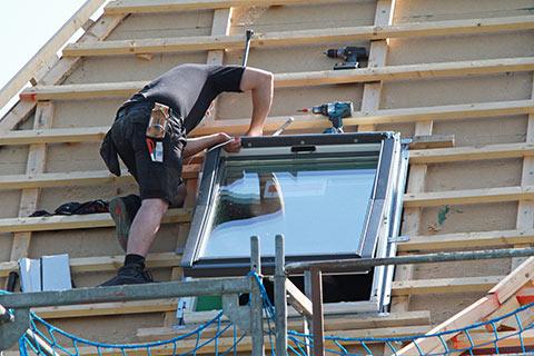 Dachfenstereinbau mit Aul